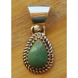 Petit pendentif navajo en argent et turquoise verte.