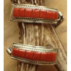 Bracelet montre amérindienne navajo en argent et corail.